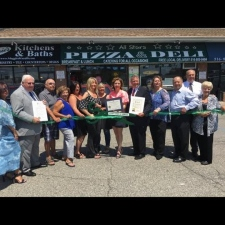 2017-Chamber-Ribbon-cutting-of-Maggies-Kitchen-Bath